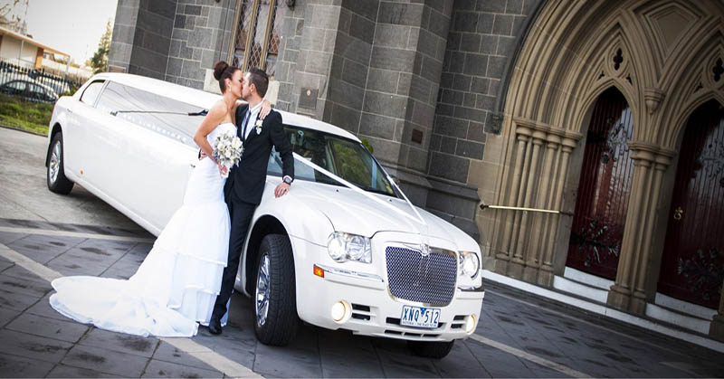 Wedding Parties in Williamsburg with limousines